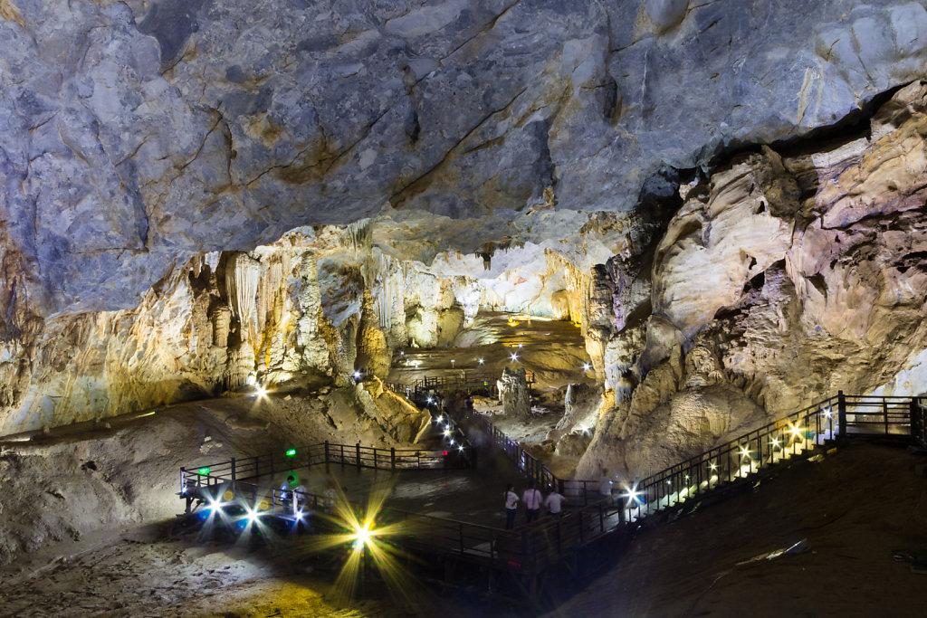 Thiên Đường Cave (Paradise Cave),  Phong Nha-Kẻ Bàng National Park, Vietnam